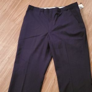 Men's Dress Pants, Size 40 x 32 - New with Tags